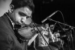 Cluster Músicos tocando violín